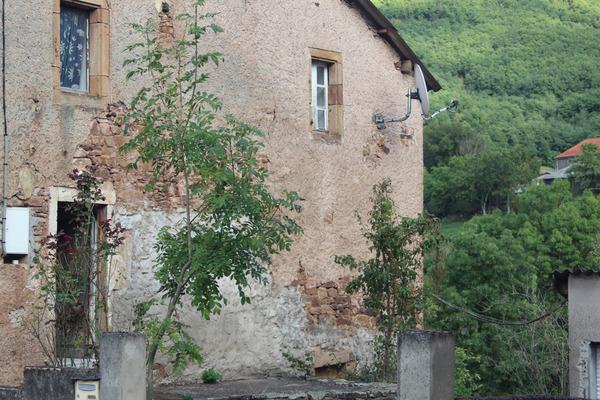 Maison de village LAVAL ROQUECEZIERE