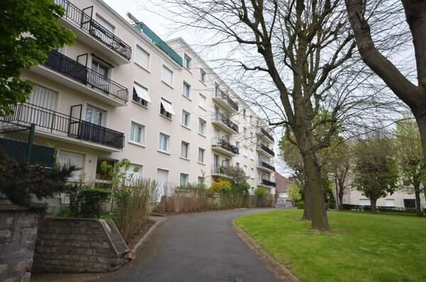 Appartement BOURG LA REINE