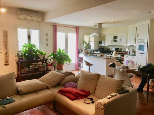 Appartement en rez-de-jardin LA PENNE SUR HUVEAUNE
