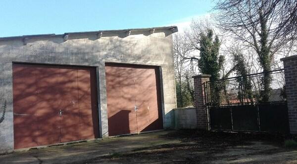 Garage (Stationnement) ARREST