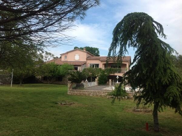 Maison VEZENOBRES