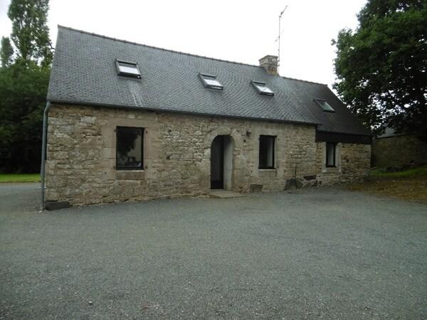 Maison en pierre PLOUMAGOAR