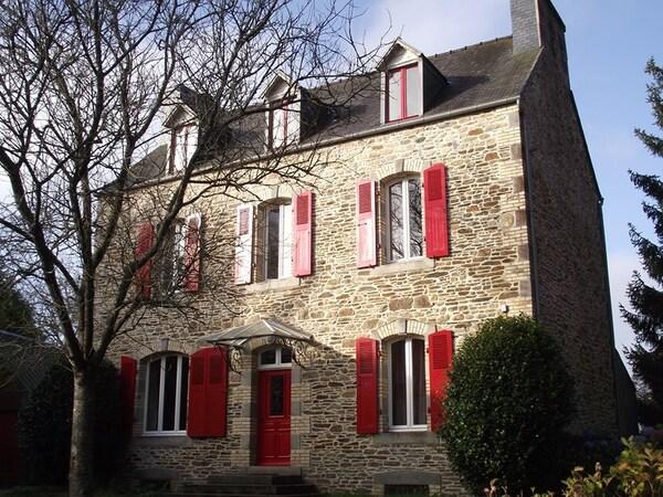 Maison PLOUEGAT GUERAND