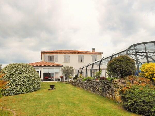 Villa CASTRES