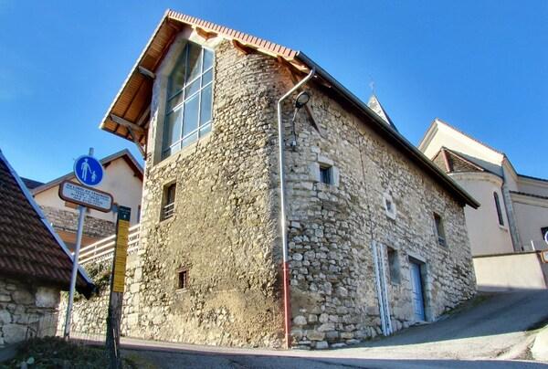 Maison en pierre MIRIBEL LANCHATRE