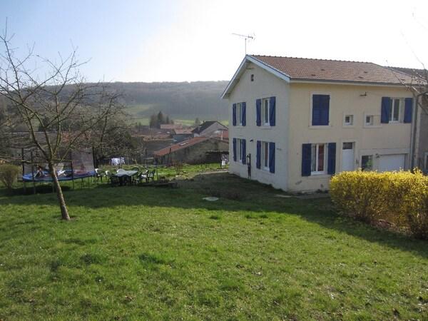 Maison de village REVILLE AUX BOIS