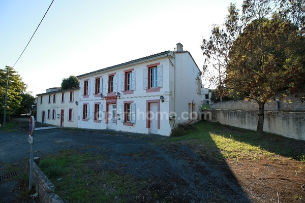 Maison TIZAC DE CURTON