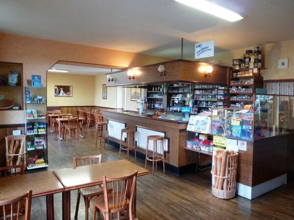 Café - Hotel - Restaurant MAULEON