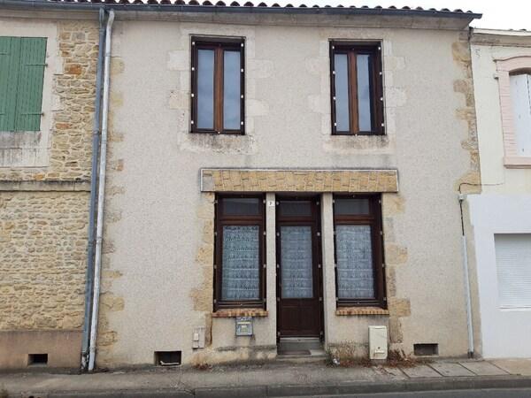 Maison de village SAINT MICHEL EN L'HERM