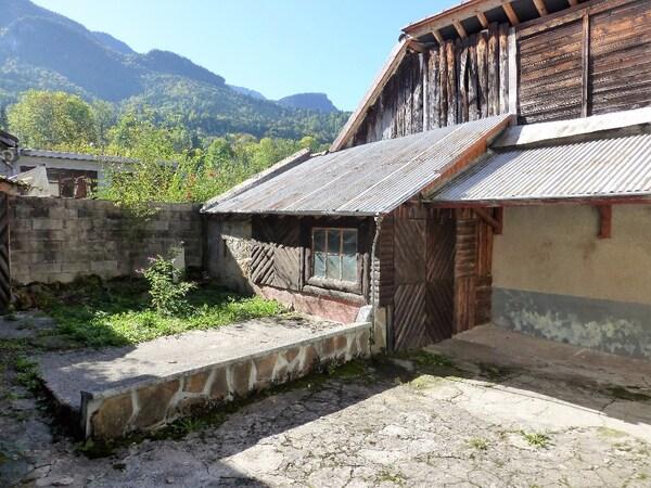 Maison à rénover SAINT LAURENT DU PONT