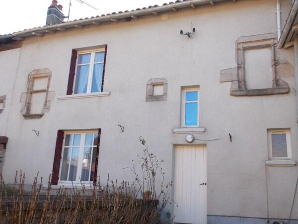 Maison de village SAINT YRIEIX SOUS AIXE