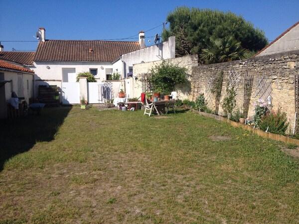 Maison en pierre L'AIGUILLON SUR MER