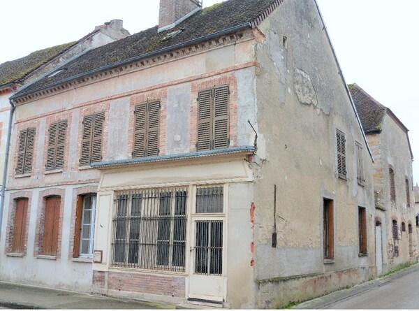 Maison de caractère VILLENEUVE L'ARCHEVEQUE