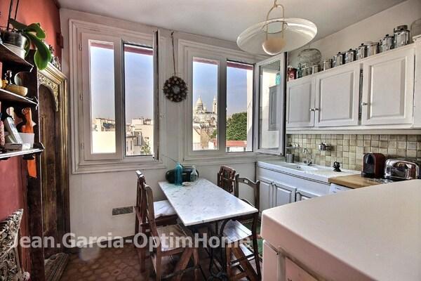 Appartement bourgeois PARIS 18EME arr