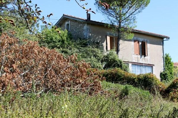 Maison à rénover MONTMOREAU SAINT CYBARD