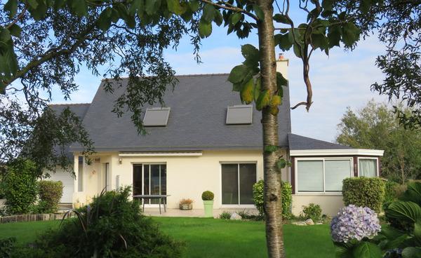 Maison de village PLOUGOURVEST