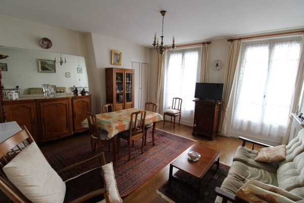 Appartement ancien PARIS 11EME arr