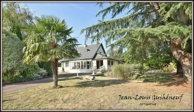 Maison de 200  m2 - Le Rheu (35650)
