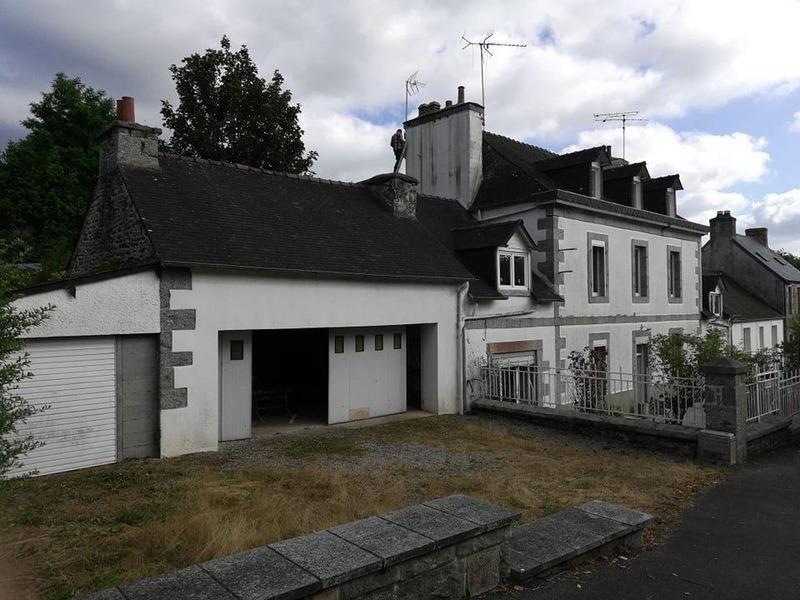 Maison de maître de 200  m2 - Bégard (22140)