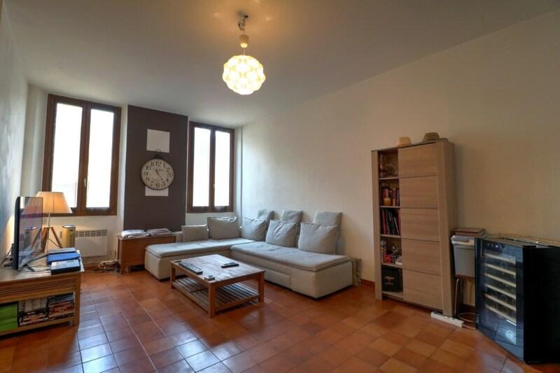 Appartement ancien de 44  m2 - Ollioules (83190)