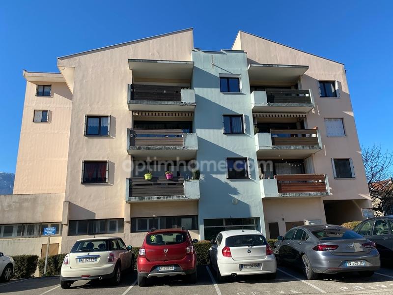 Appartement de 85  m2 - Pontcharra (38530)
