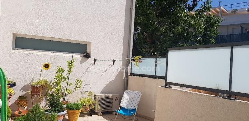 Appartement en résidence de 61  m2 - Marseille (13008)