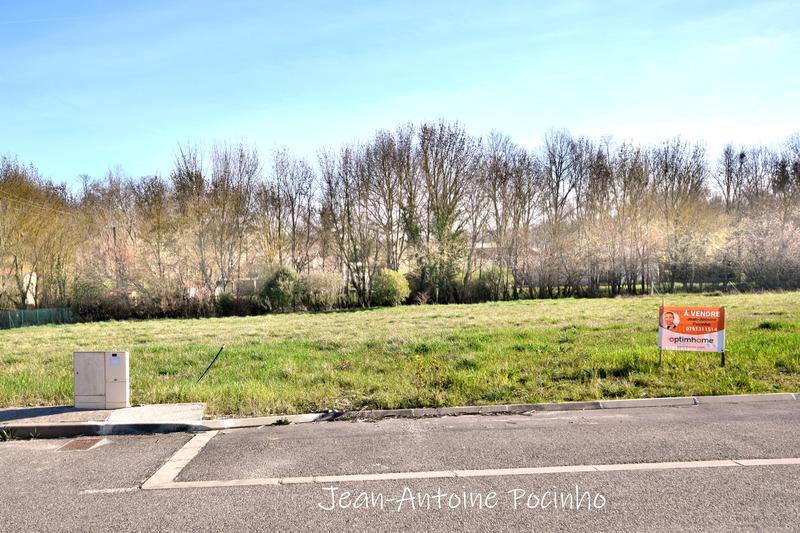 Terrain constructible de   m2 - Bonrepos-sur-Aussonnelle (31470)