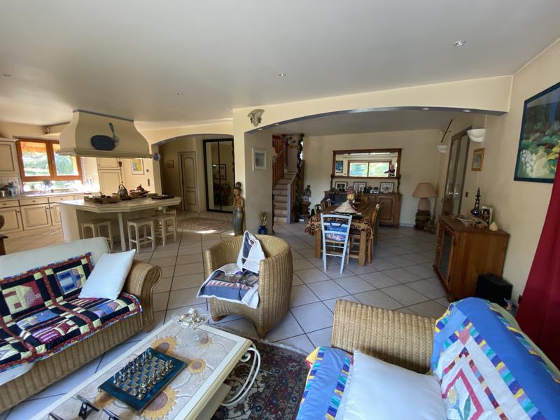 Maison de 244  m2 - Voglans (73420)