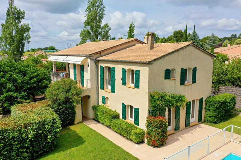 Villa de 238  m2 - Manosque (04100)