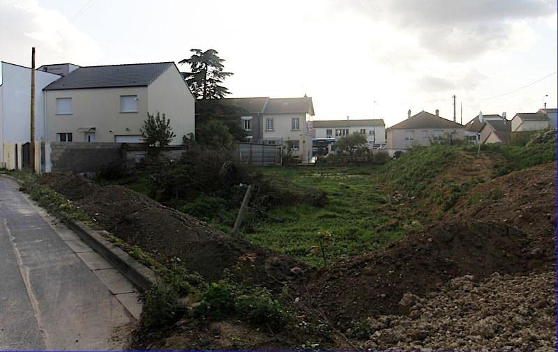Terrain constructible de   m2 - Reims (51100)