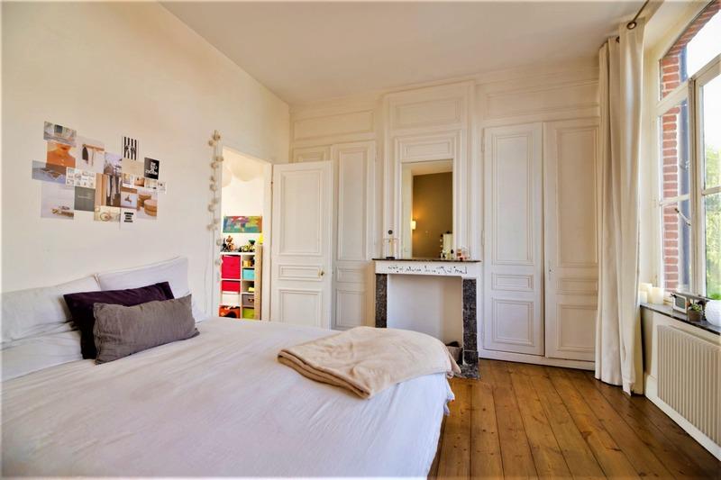 Maison en pierre de 300  m2 - Bordeaux (33800)
