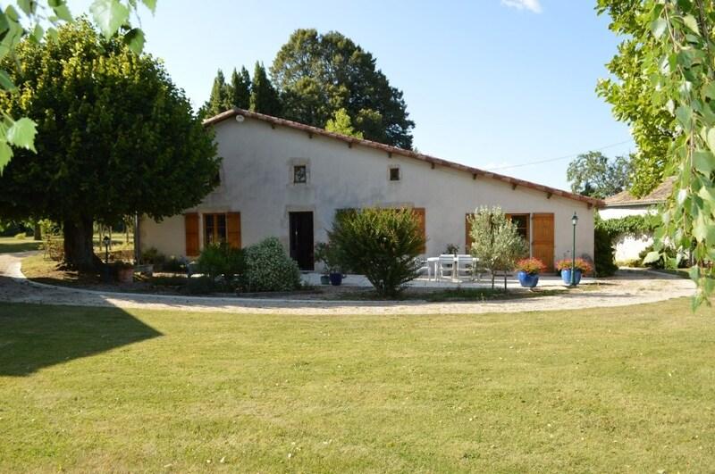 Propriété de 309  m2 - Saint-Vincent-la-Châtre (79500)