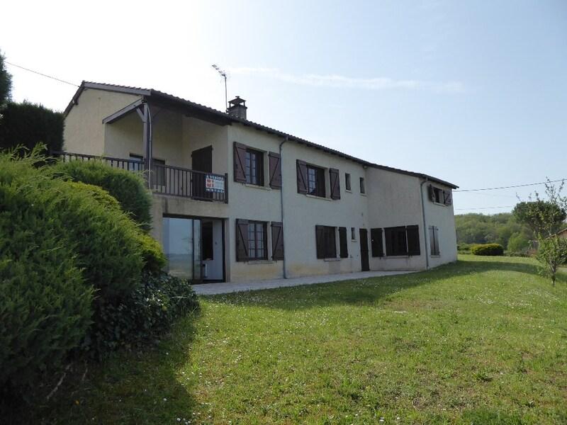 Maison de 250  m2 - Bretenoux (46130)