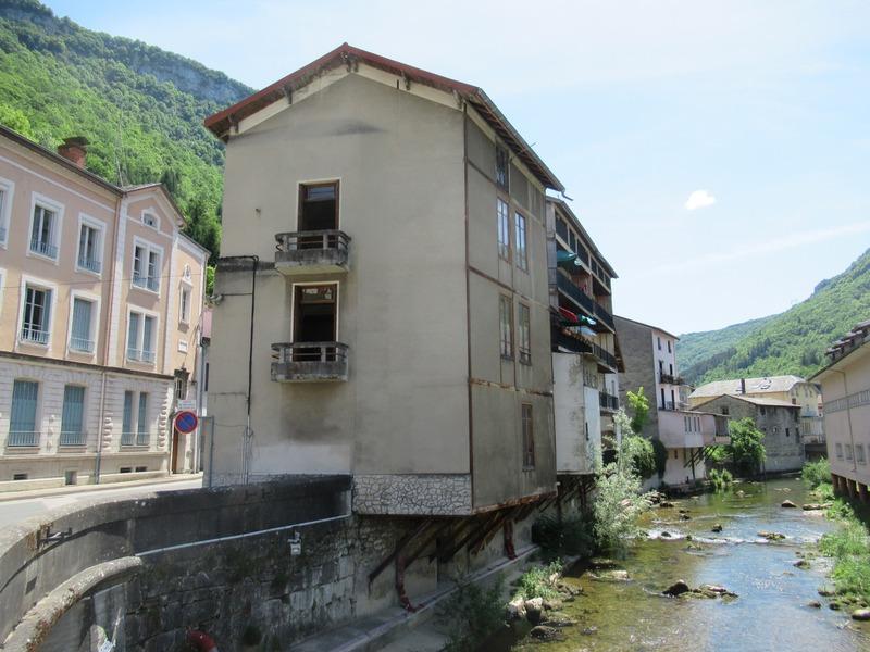 Maison à rénover de 110  m2 - Tenay (01230)