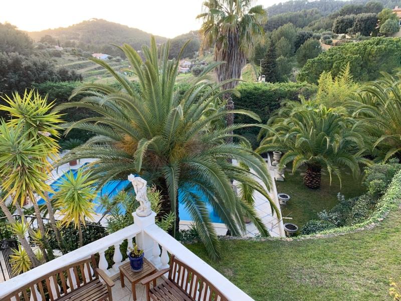 Villa de 420  m2 - La Cadière-d'Azur (83740)