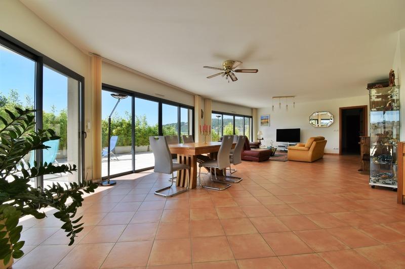 Appartement en résidence de 181  m2 - Guilherand-Granges (07500)