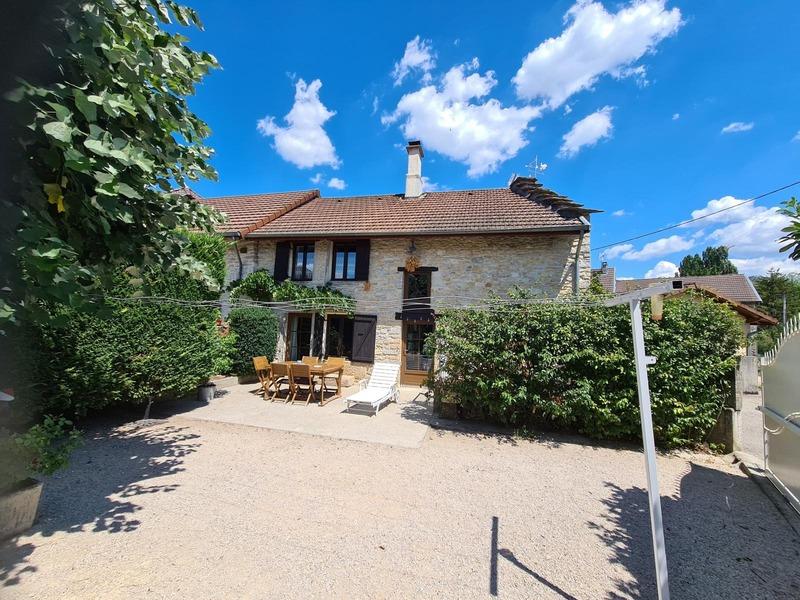 Maison en pierre de 91  m2 - Charette (38390)