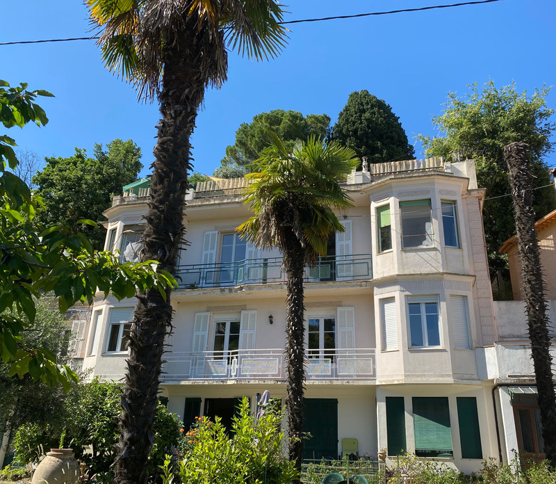 Appartement ancien de 102  m2 - Grasse (06130)
