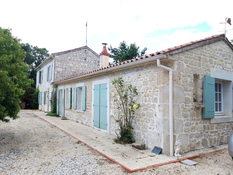 Maison en pierre de 160  m2 - Luçon (85400)