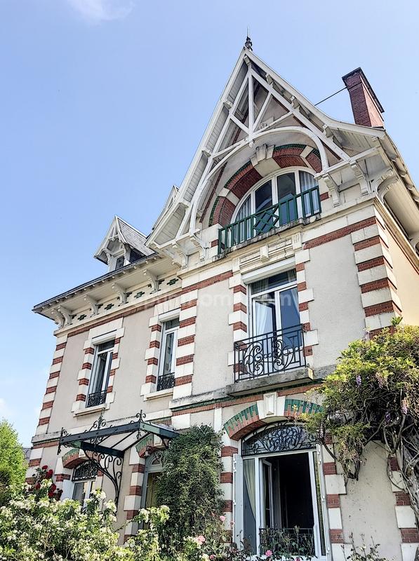 Maison de caractère de 280  m2 - Limoges (87000)