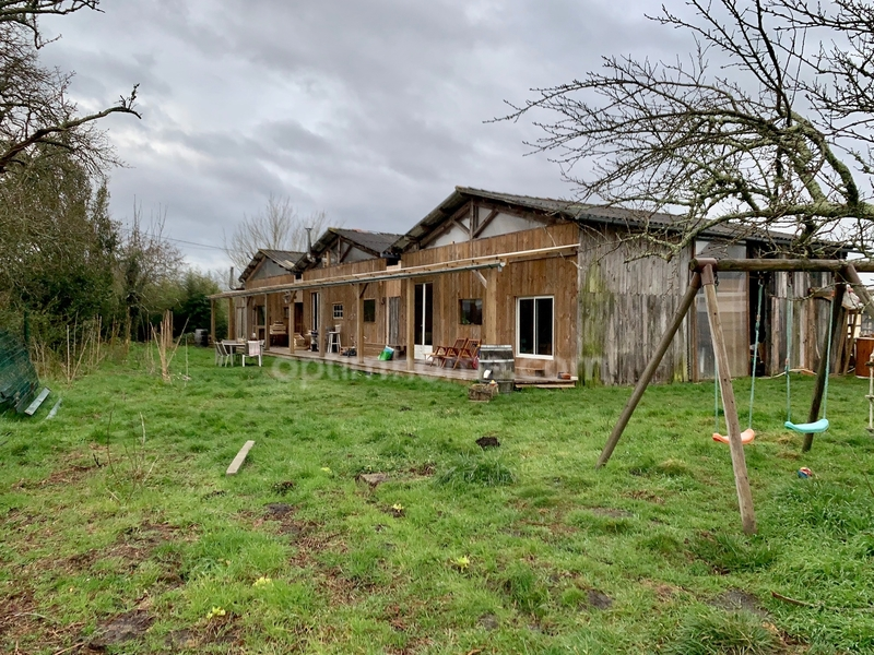 Grange de 240  m2 - Le Porge (33680)