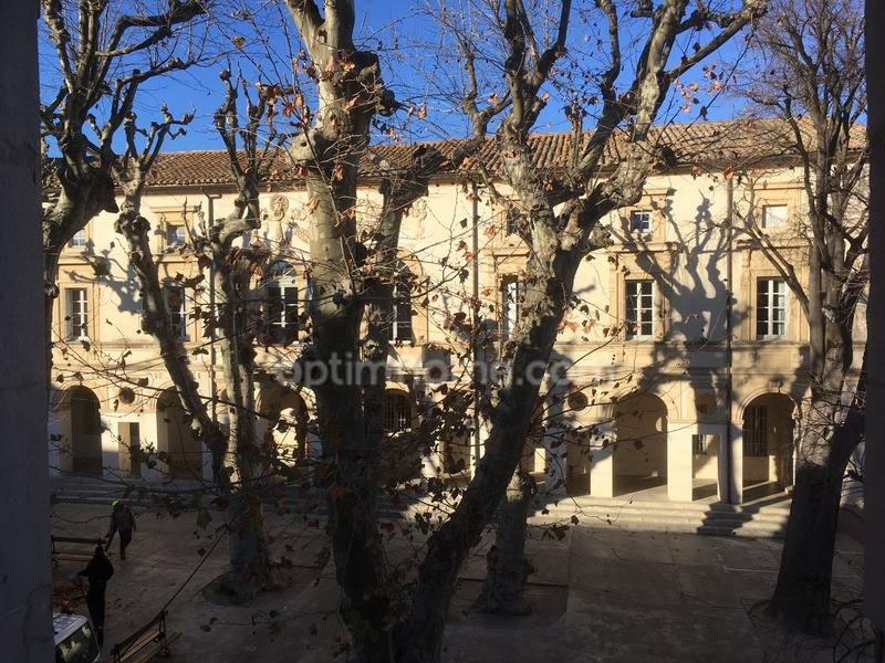 Studio de 27  m2 - Saint-Rémy-de-Provence (13210)