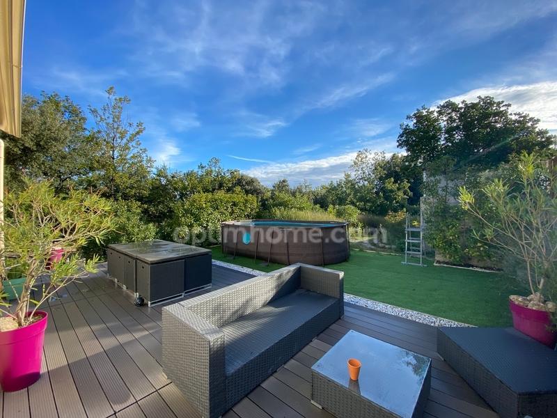 Appartement en rez-de-jardin de 110  m2 - Néoules (83136)