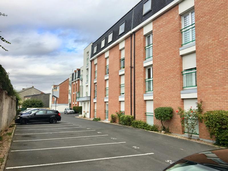 Parking extérieur de   m2 - Arras (62000)