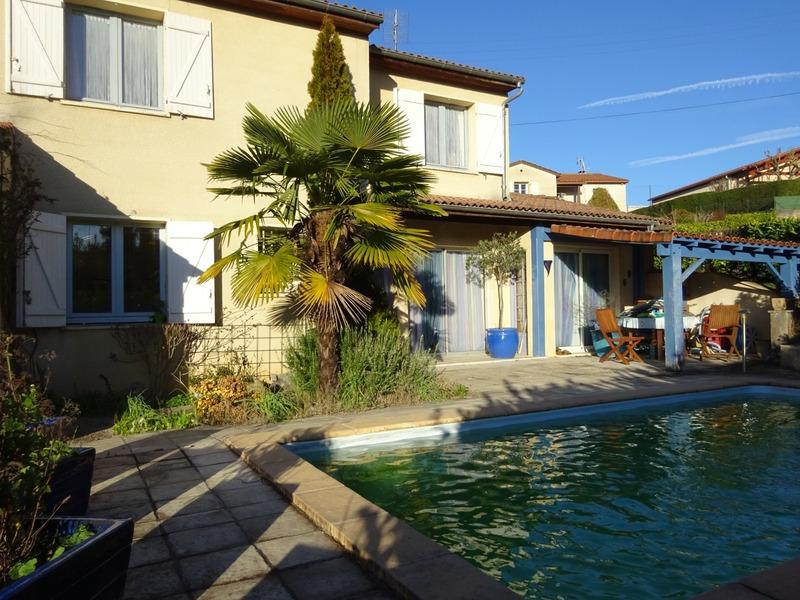 Maison de 135  m2 - Cahors (46000)