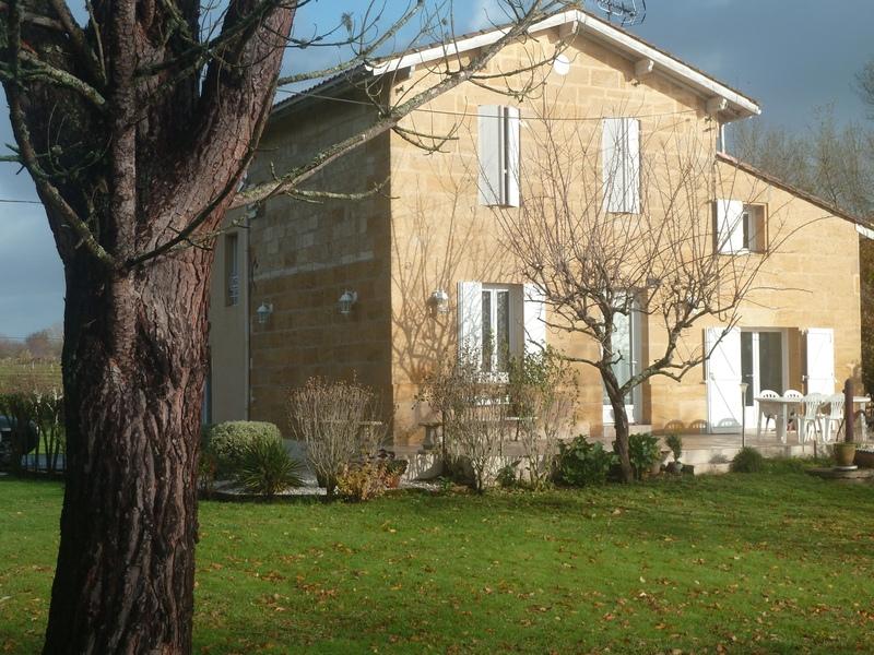 Maison en pierre de 150  m2 - Saint-Magne-de-Castillon (33350)
