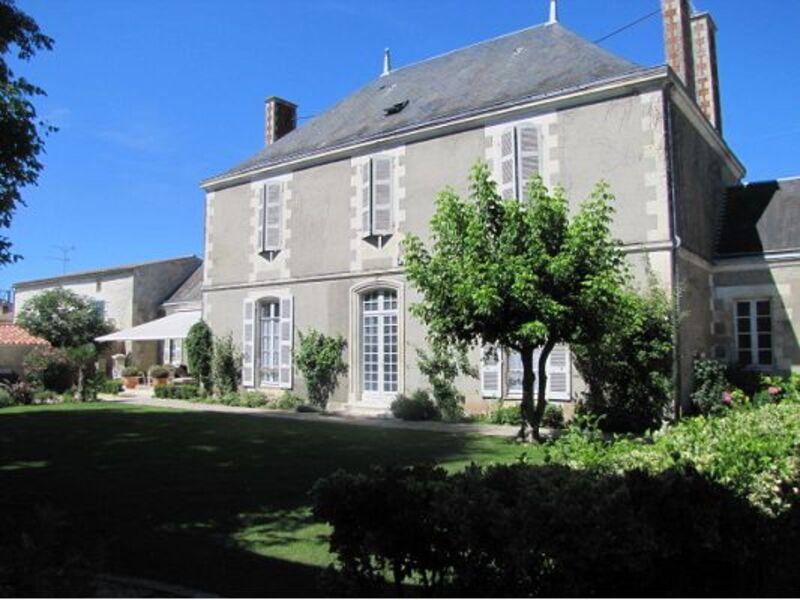 Maison bourgeoise de 500  m2 - Luçon (85400)