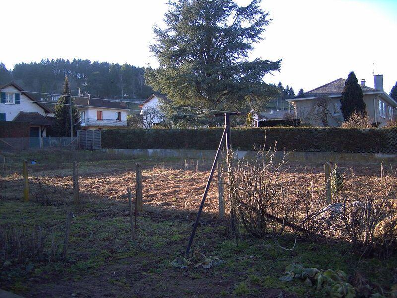 Terrain constructible de   m2 - Chauffailles (71170)