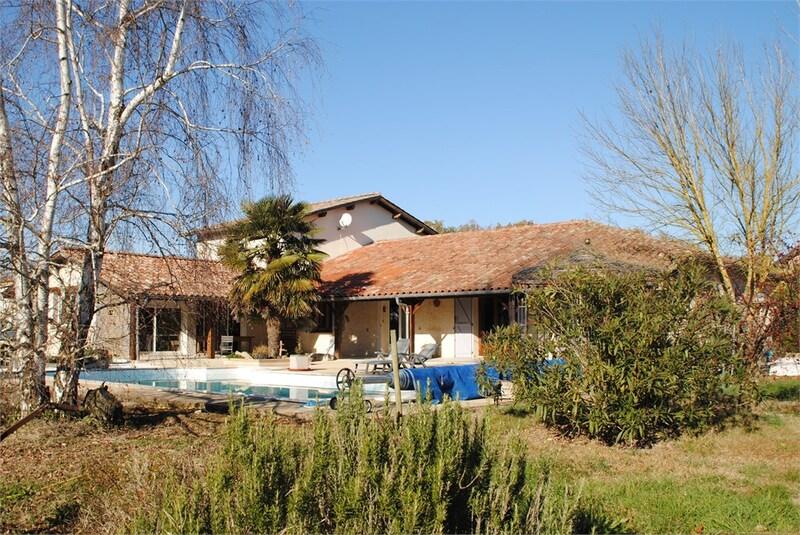 Maison de 300  m2 - Lavaur (81500)
