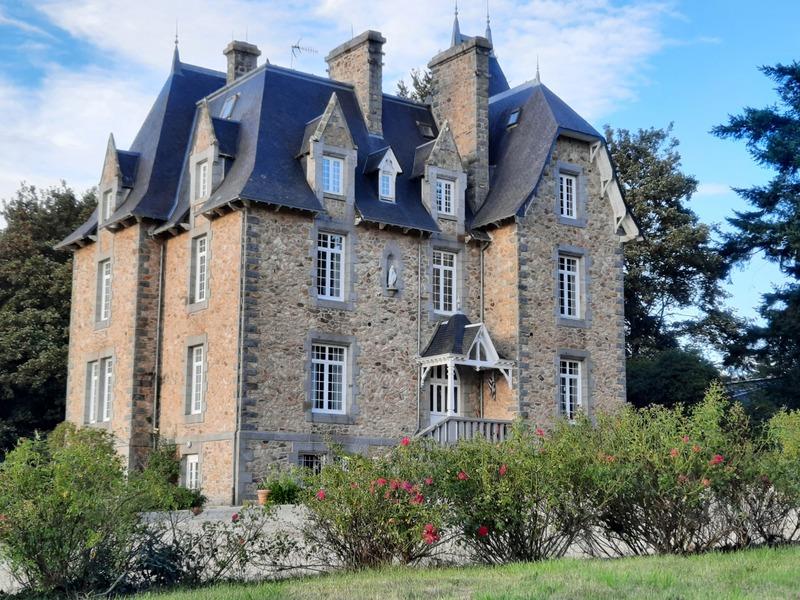 Château de 600  m2 - Saint-Brieuc (22000)